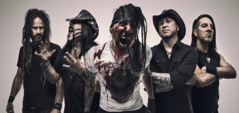 HELLYEAH - Interview